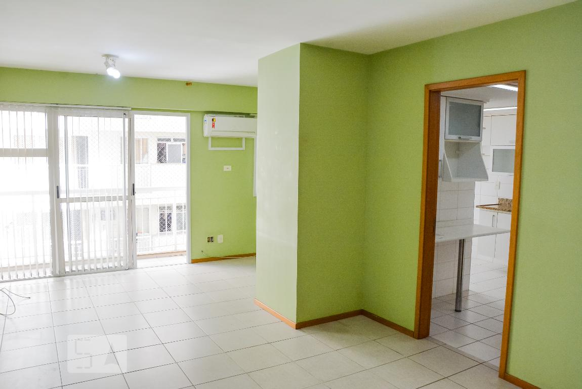 Apartamento em Catete